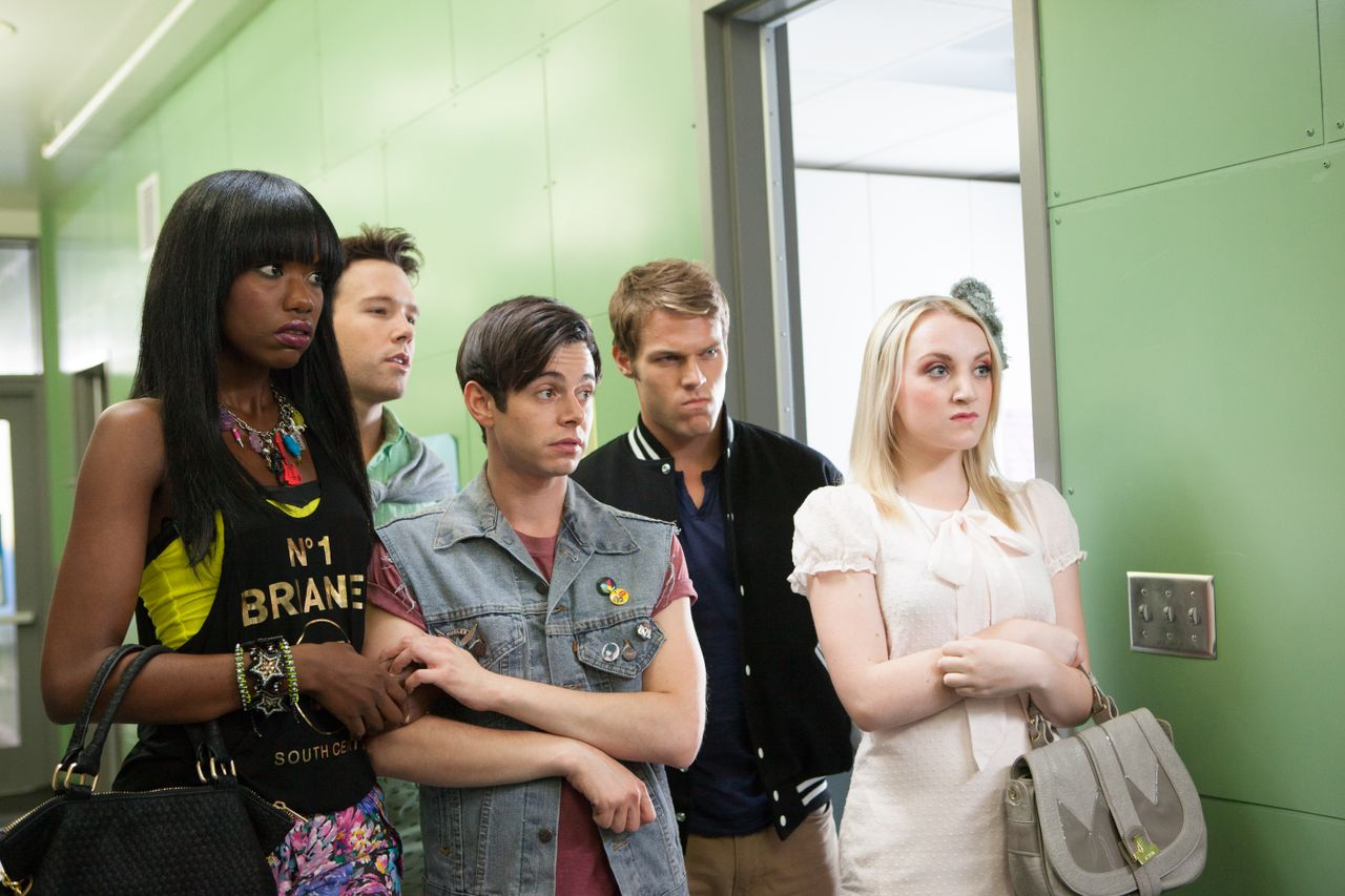 """(Left to right) Xosha Pieterse as """"Caprice"""", Taylor Frey as """"Topher"""", Paul Iacono as """"Brent"""", Brock Harris as """"Hamilton"""", and Evanna Lynch as """"McKenzie"""" in 'G.B.F.' (2013)."""