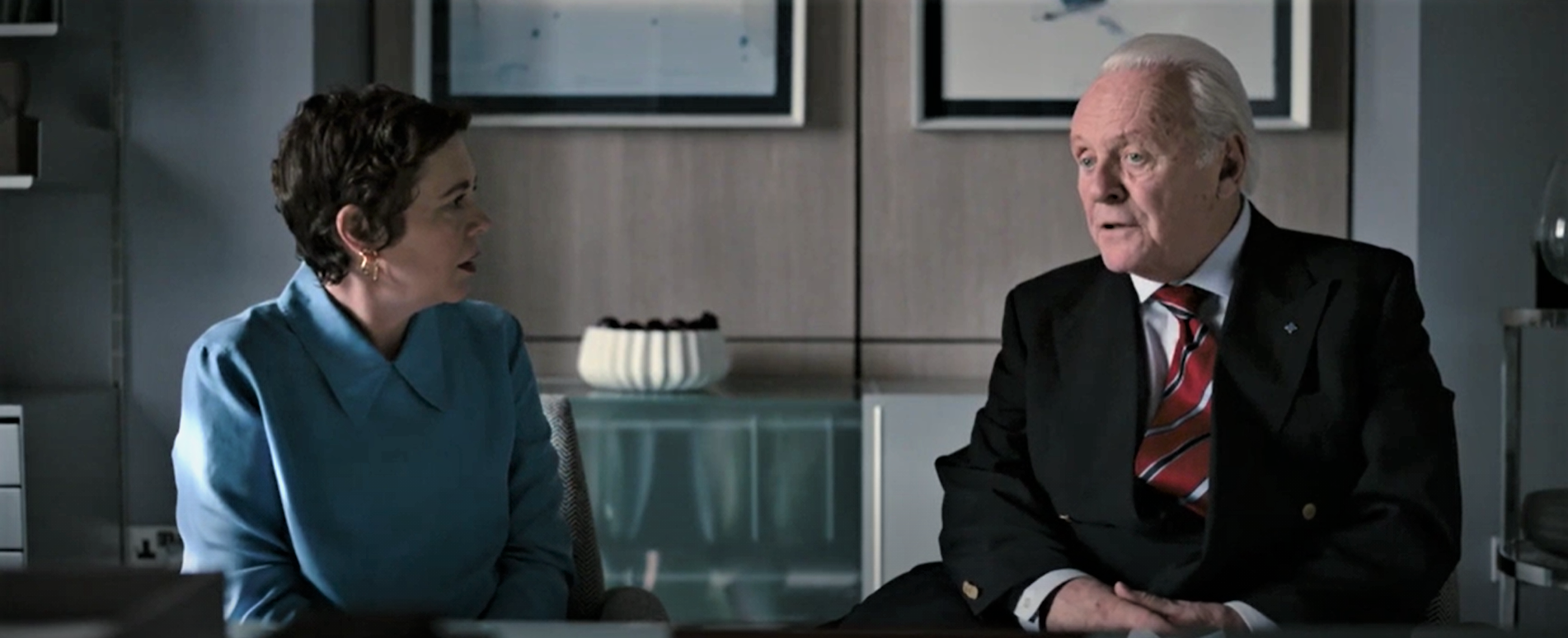 Anthony (Anthony Hopkins) has a moment of confusion during a doctor's appointment.