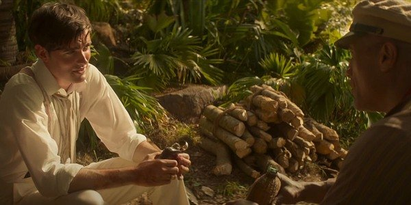 """A still from """"Jungle Cruise"""" of Frank and McGregor talking"""
