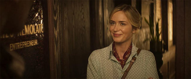 """A still from """"Jungle Cruise"""" of Lily smiling"""