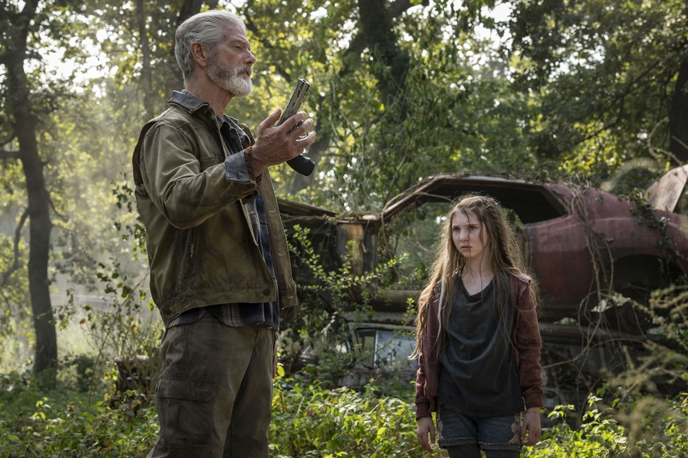 """A still from """"Don't Breathe 2"""" of Nordstrom and Pheonix"""