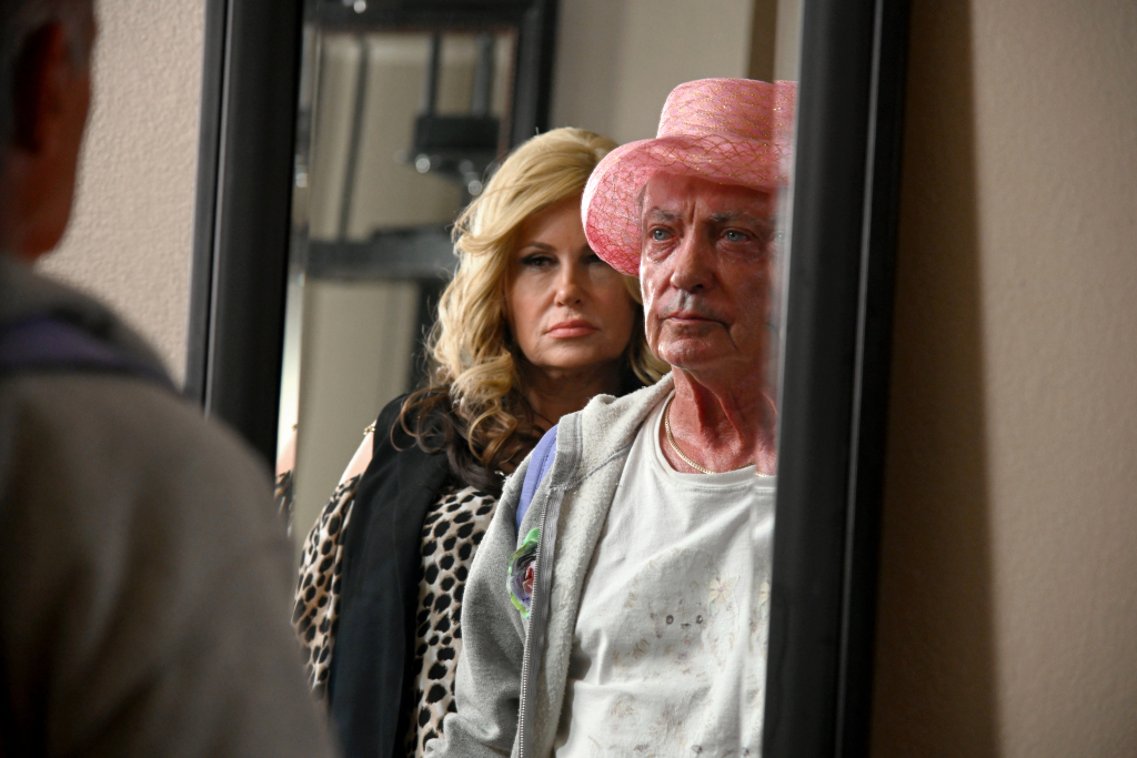 While collecting supplies to dress Rita (Linda Evans) for her funeral, Pat confronts his former apprentice-turned-business-rival, Dee Dee (Jennifer Coolidge).